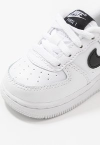 Nike Sportswear - FORCE 1 AN20 - Sneakers laag - white/black - 2