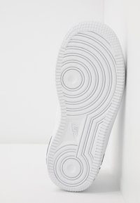 Nike Sportswear - FORCE 1  - Sneakers basse - white/black/white - 2