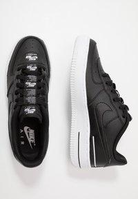 Nike Sportswear - AIR FORCE 1 LV8 3 - Sneakers laag - black/white - 0
