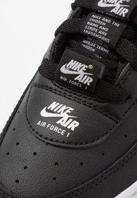 Nike Sportswear - AIR FORCE 1 LV8 3 - Sneakers laag - black/white - 2