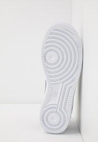 Nike Sportswear - AIR FORCE 1 LV8 3 - Sneakers laag - black/white - 5