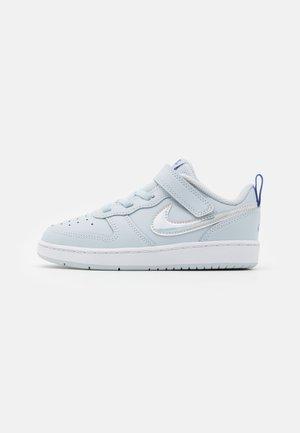 COURT BOROUGH 2 - Zapatos de bebé - aura/white/sapphire