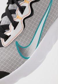 Nike Sportswear - EXPLORE STRADA - Tenisky - white/chrome/black/laser orange - 2