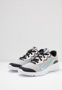 Nike Sportswear - EXPLORE STRADA - Tenisky - white/chrome/black/laser orange - 3