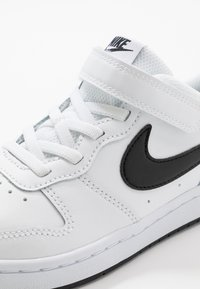 Nike Sportswear - COURT BOROUGH 2 - Baskets basses - white/black - 2