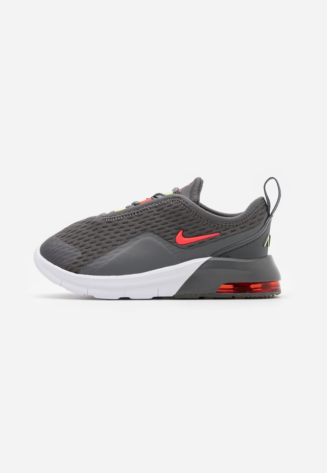 AIR MAX MOTION 2 BTE - Sneakers - iron grey/bright crimson/limelight/white