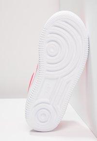 Nike Sportswear - FORCE 1 18 - Trainers - rush pink/white - 5