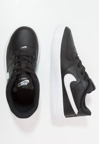 Nike Sportswear - FORCE 1 18 - Sneakers laag - black/white - 0