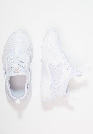 HUARACHE RUN ULTRA  - Chaussures premiers pas - white