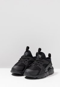 Nike Sportswear - HUARACHE RUN ULTRA  - Babyschoenen - black - 3