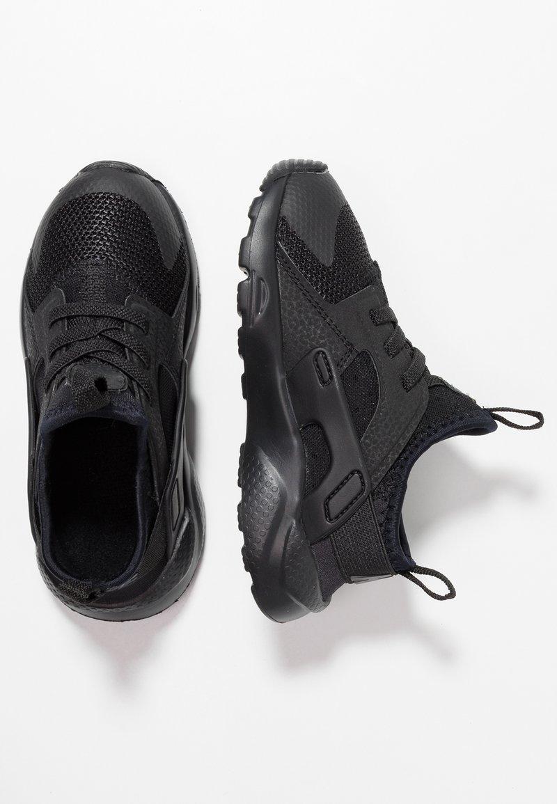 Nike Sportswear - HUARACHE RUN ULTRA  - Lær-at-gå-sko - black