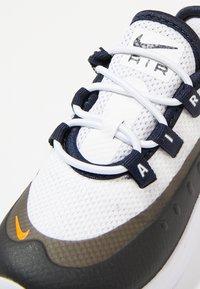 Nike Sportswear - Sneakers laag - white/total orange/obsidian/amarillo - 2