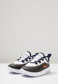Nike Sportswear - Sneakers laag - white/total orange/obsidian/amarillo - 3