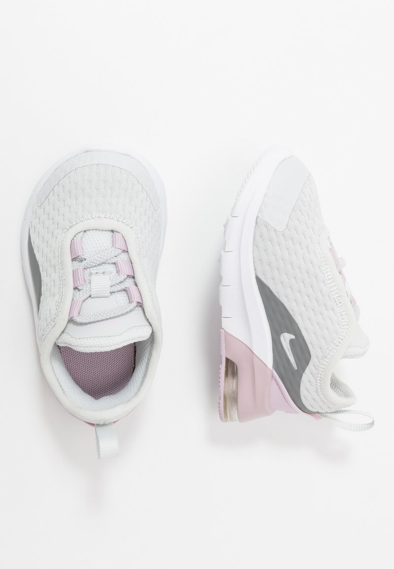 Nike Sportswear - AIR MAX MOTION 2  - Tenisky - photon dust/white/iced lilac/smoke