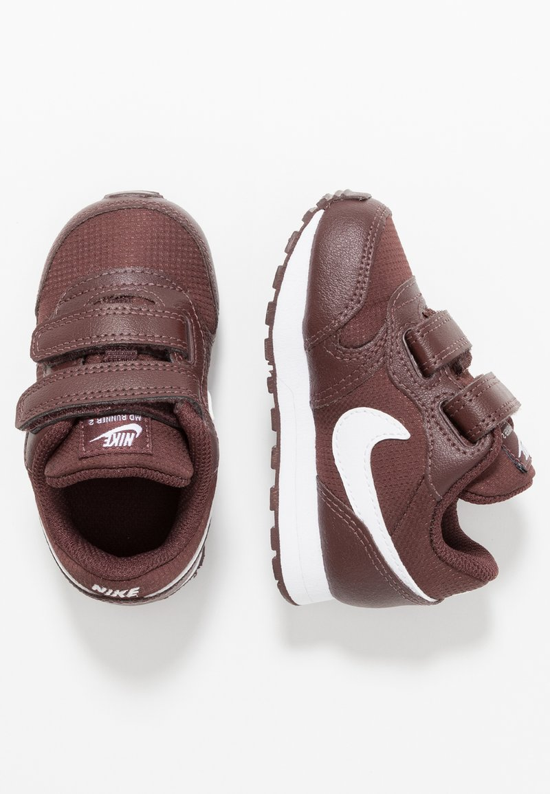Nike Sportswear - RUNNER - Sneakers basse - el dorado/white