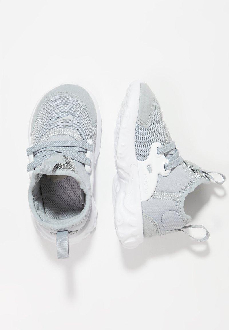 Nike Sportswear - REACT PRESTO - Babyschoenen - wolf grey/white