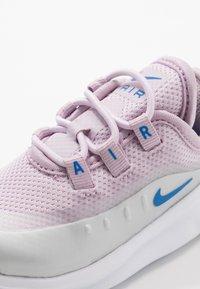Nike Sportswear - AIR MAX AXIS - Mocasines - iced lilac/photon dust/soar - 2