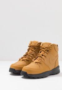 Nike Sportswear - MANOA '17 - Sneakers hoog - wheat/black - 3