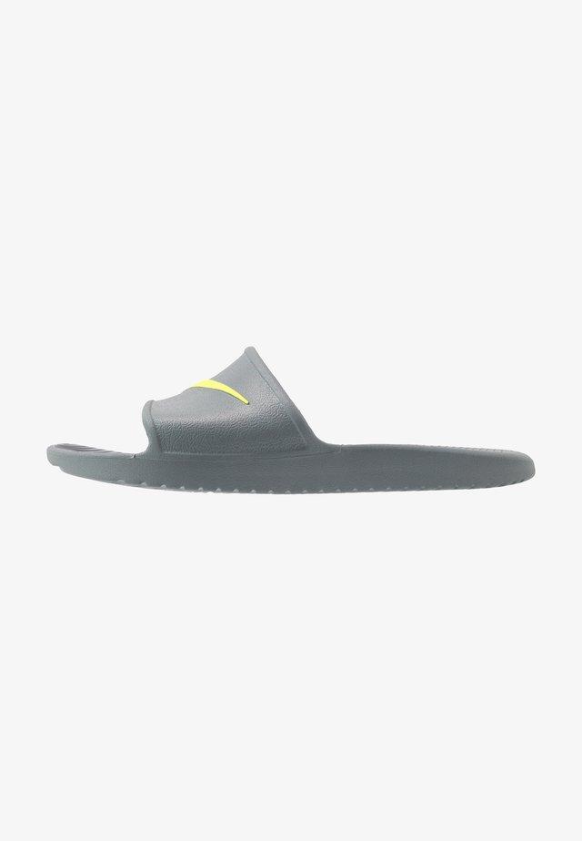 KAWA SHOWER - Sandály do bazénu - cool grey/volt