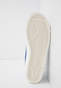 Nike Sportswear - BLAZER MID '77 - Höga sneakers - white/racer blue/sail - 8