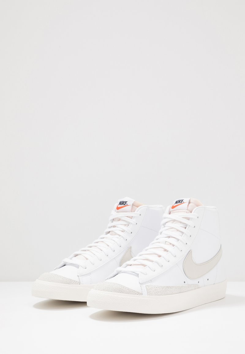 Nike Sportswear BLAZER MID '77 - Høye joggesko - white/light bone/sail