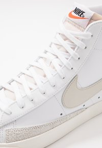 Nike Sportswear - BLAZER MID '77 - High-top trainers - white/light bone/sail - 5