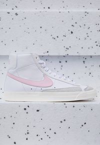 Nike Sportswear - BLAZER MID '77 - Sneakers hoog - white/pink/sail - 2