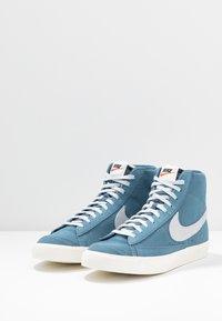 Nike Sportswear - BLAZER MID '77 - High-top trainers - thunderstorm/pure platinum/sail - 3