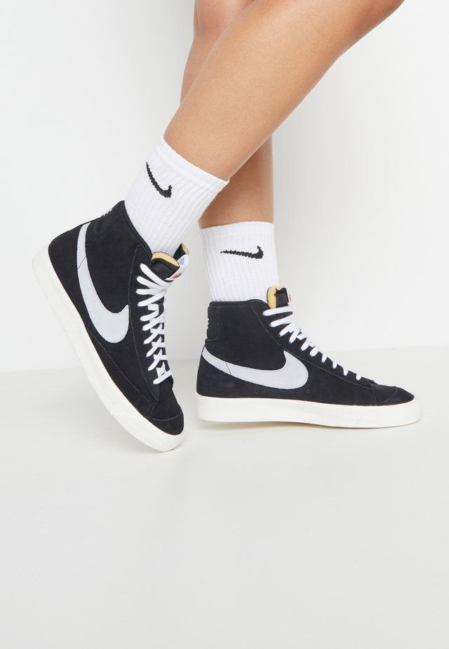 BLAZER MID '77 - Korkeavartiset tennarit - black/pure platinum/sail/white