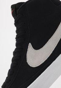 Nike Sportswear - BLAZER MID '77 - High-top trainers - black/photon dust - 5