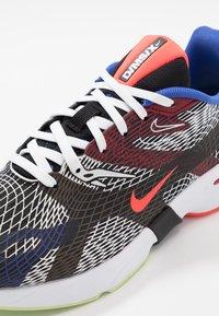 Nike Sportswear - GHOSWIFT - Zapatillas - white/black/dynamic yellow - 6