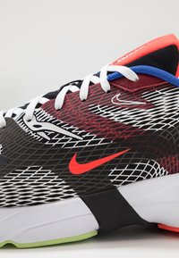 Nike Sportswear - GHOSWIFT - Zapatillas - black/white/deep royal blue/bright crimson/team red/racer blue - 8