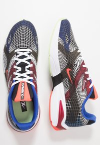 Nike Sportswear - GHOSWIFT - Zapatillas - black/white/deep royal blue/bright crimson/team red/racer blue - 2
