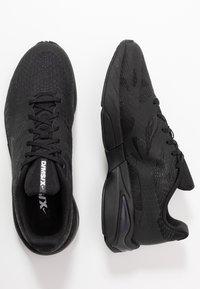 Nike Sportswear - GHOSWIFT - Zapatillas - black/white - 1