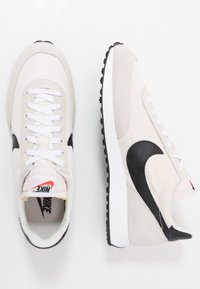 Nike Sportswear - AIR TAILWIND 79 - Sneakers - white/black/phantom/dark grey/team orange - 2