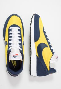Nike Sportswear - AIR TAILWIND 79 - Baskets basses - speed yellow/midnight navy/white/habanero red/obsidian - 1
