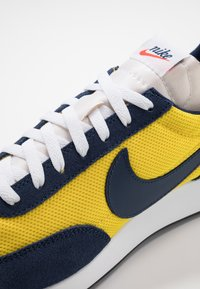 Nike Sportswear - AIR TAILWIND 79 - Baskets basses - speed yellow/midnight navy/white/habanero red/obsidian - 5