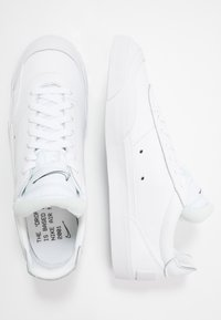 Nike Sportswear - DROP TYPE PRM - Sneakers laag - white/black - 4