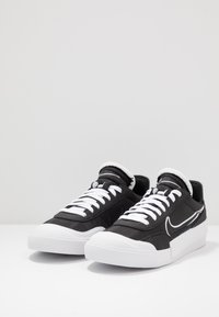 Nike Sportswear - DROP-TYPE HBR - Sneakers - black/white - 5