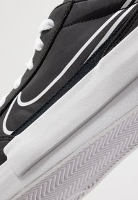 Nike Sportswear - DROP-TYPE HBR - Sneakers - black/white - 8