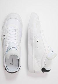 Nike Sportswear - DROP-TYPE HBR - Matalavartiset tennarit - white/black - 1
