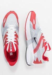 Nike Sportswear - GHOSWIFT - Tenisky - university red/black/white/sky grey - 1