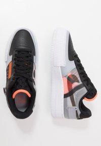 Nike Sportswear - AF1-TYPE SP20 - Sneakers laag - black/hyper crimson/wolf grey/white - 1