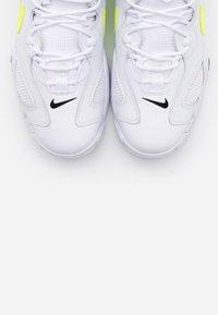 Nike Sportswear - AIR BARRAGE  - Trainers - white/volt/black - 4