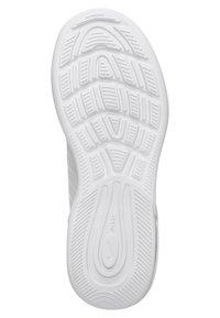 Nike Sportswear - AIR MAX AXIS - Baskets basses - white / black - 4