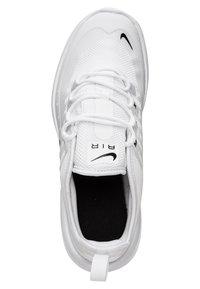Nike Sportswear - AIR MAX AXIS - Baskets basses - white / black - 1