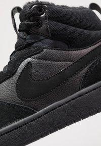 Nike Sportswear - COURT BOROUGH MID 2 BOOT WINTERIZED - Vysoké tenisky - black/white - 2