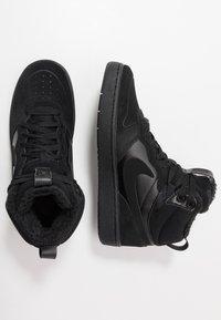 Nike Sportswear - COURT BOROUGH MID 2 BOOT WINTERIZED - Vysoké tenisky - black/white - 0