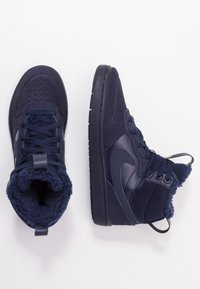 Nike Sportswear - COURT BOROUGH MID BOOT WINTERIZED - Skateboardové boty - blue void/blue stardust/coast/topaz mist/photo blue - 0