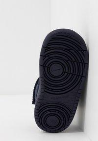 Nike Sportswear - COURT BOROUGH MID WINTERIZED  - Babyschoenen - blue void/blue stardust/coast/topaz mist/photo blue - 5